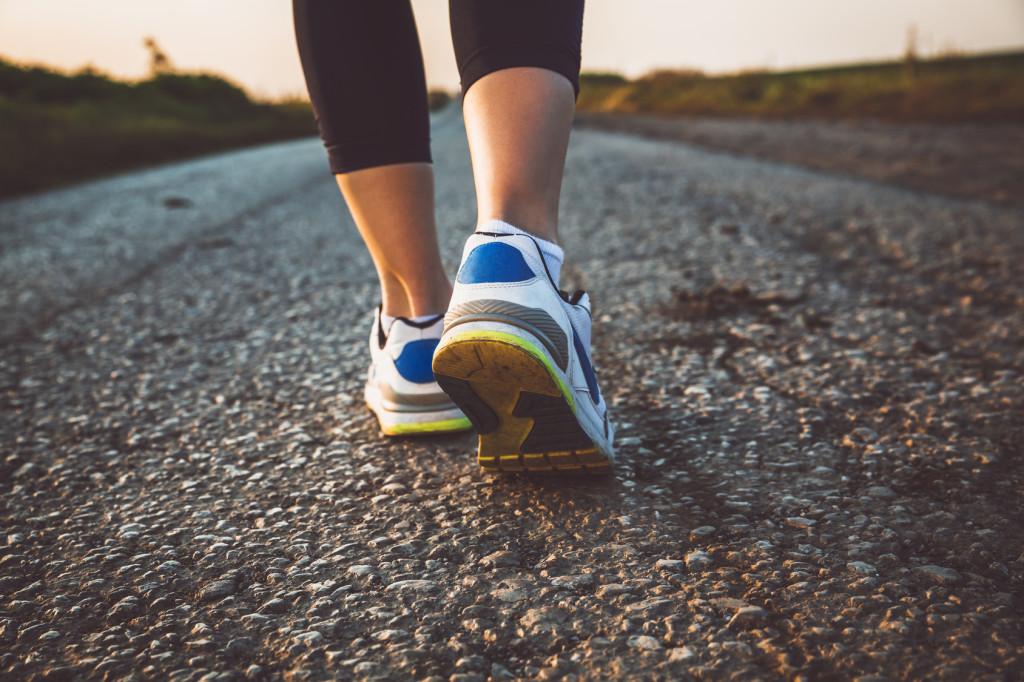 heel pain running shoes